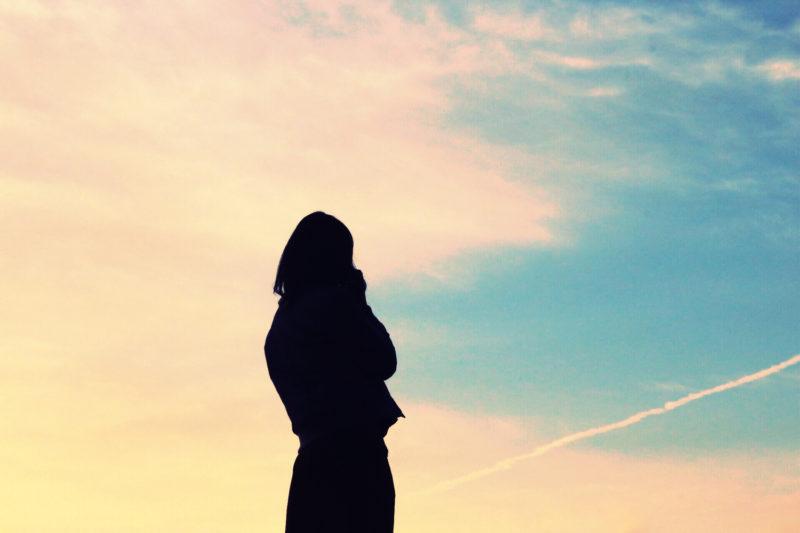 福井の離職率にがっかりしている女性